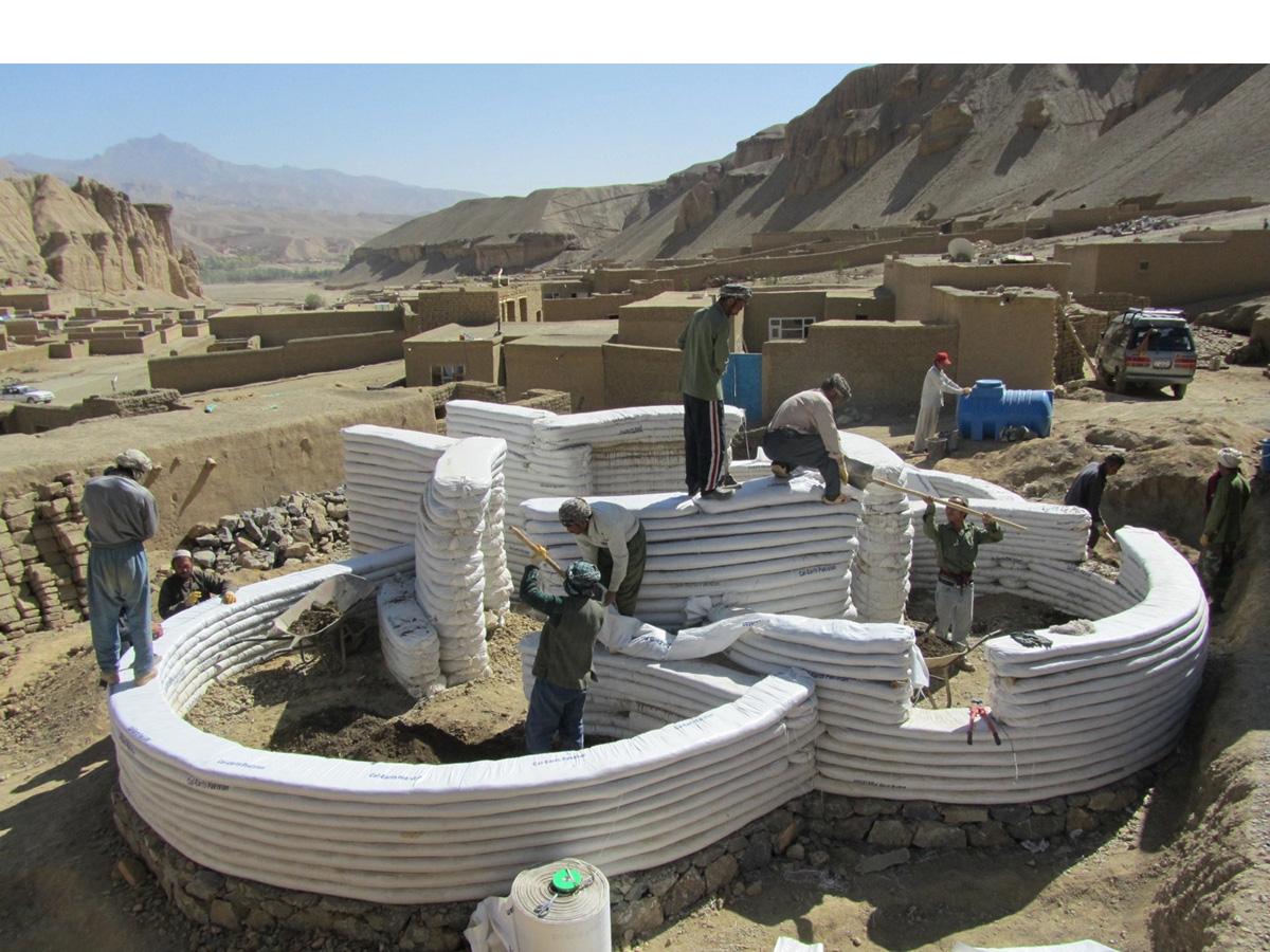 Superadobe Cloverleaf Construction Rug News Anddesign