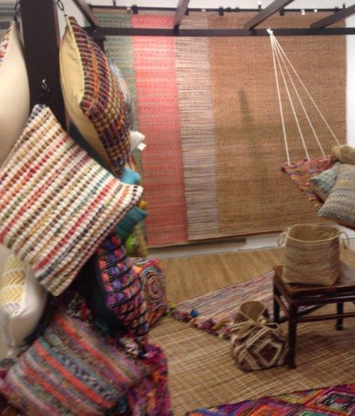 LR Resources beautiful designer color rugs and pillows