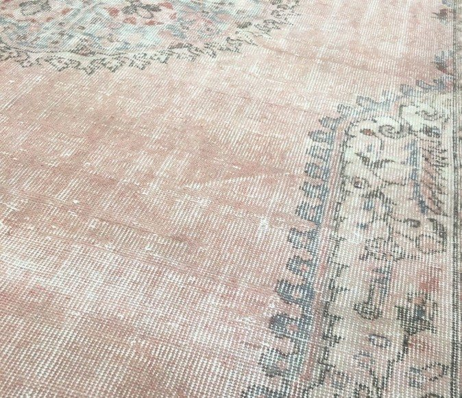 Vintage Effect Rug: NEW Old Vintage Turkish Sivas Rug With A White Wash