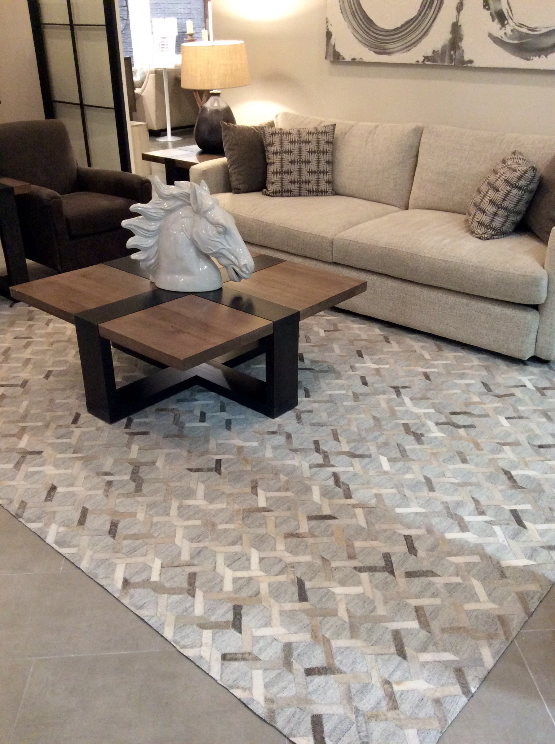 Superb The Beautiful Interlinked Design In This Rug Really Stands Out And Keeps  Your Eyes Roaming The Rug, And Will Look Amazing In Your Setting As You Can  See In ...